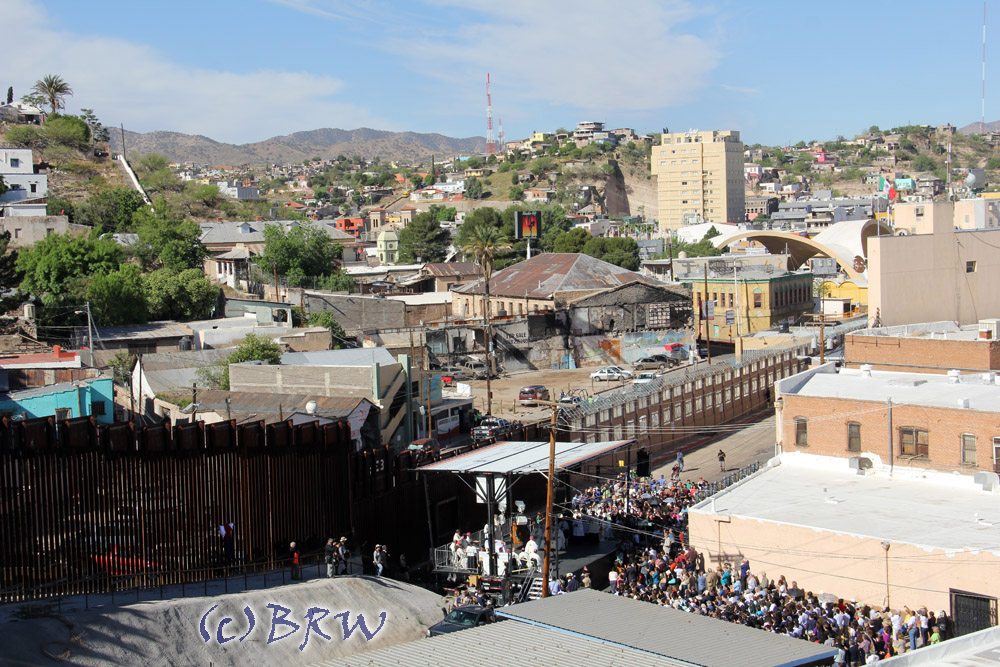 Catholic mass celebrated at the border wall in Nogales, Arizona