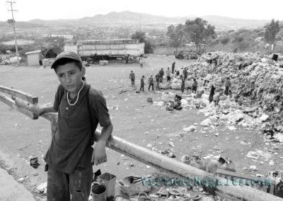 nogales-landfill-01bw-vn